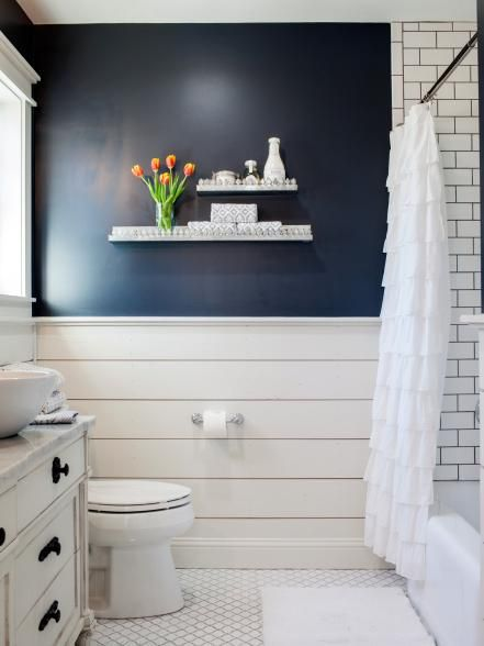 White Bathroom033