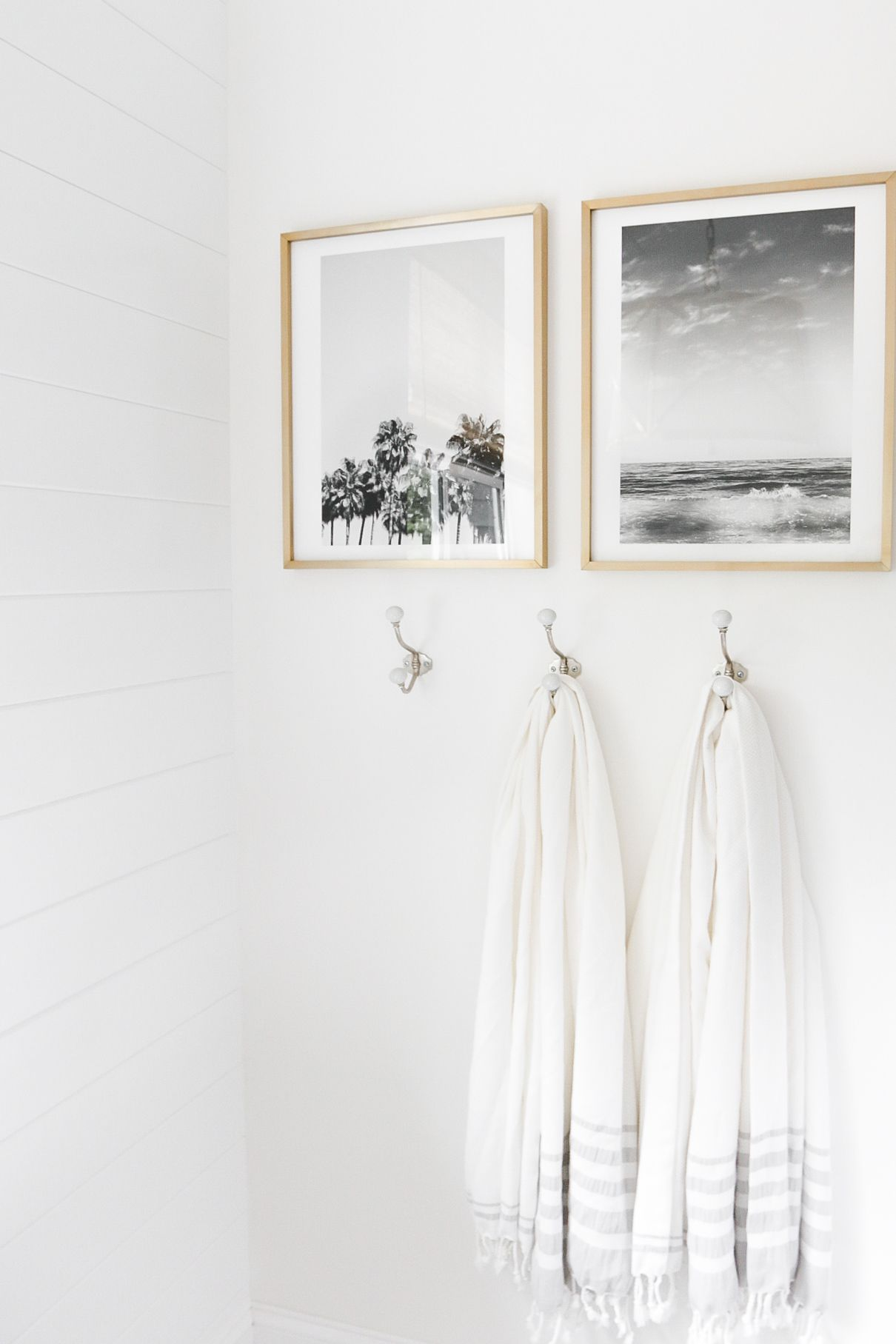 White Bathroom035