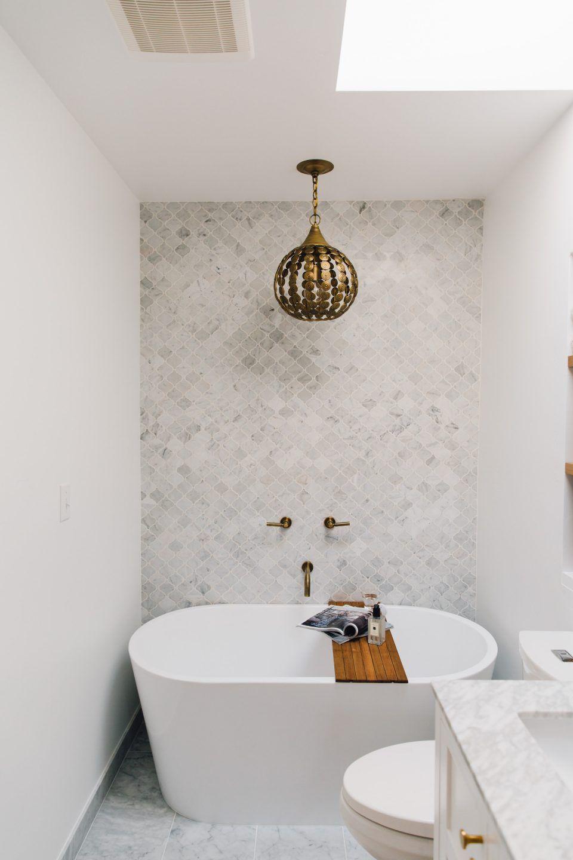White Bathroom060