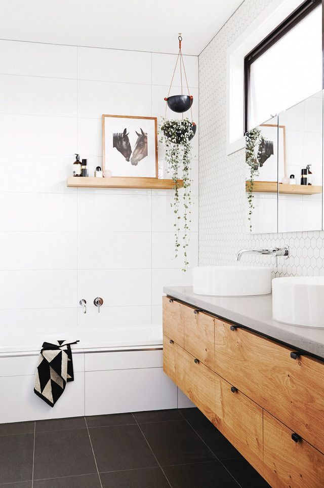 White Bathroom064