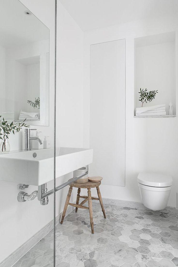 White Bathroom072