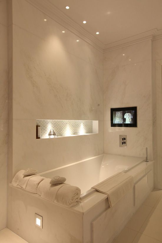 White Bathroom074