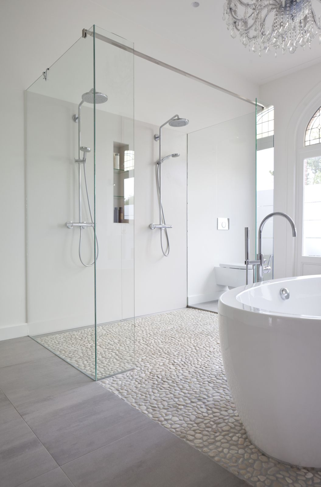 White Bathroom075
