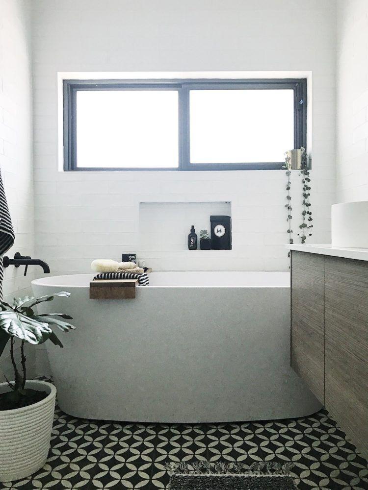 White Bathroom078