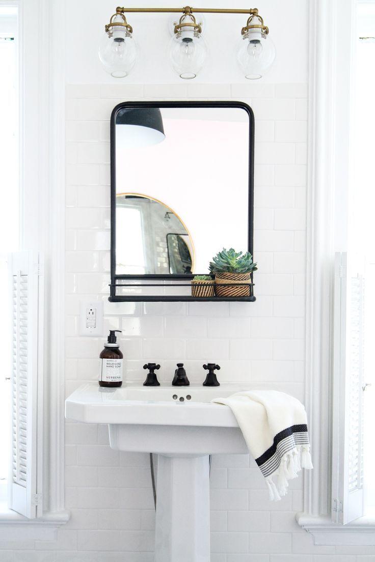 White Bathroom086