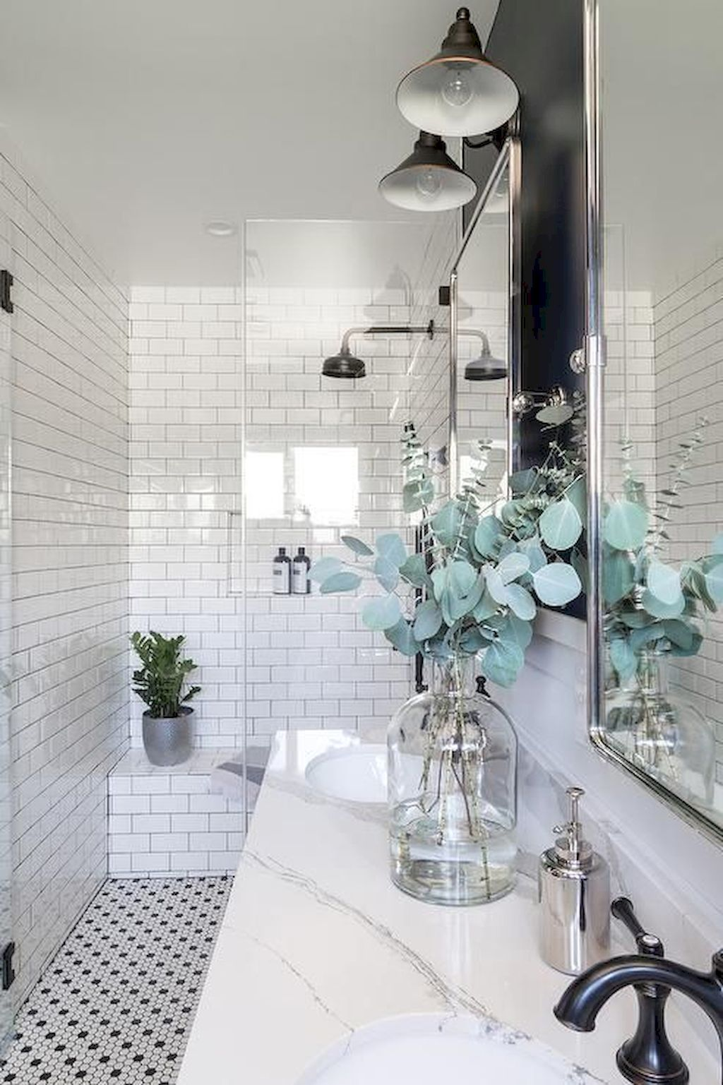 White Bathroom091