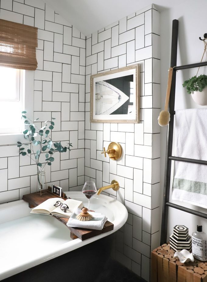 White Bathroom093