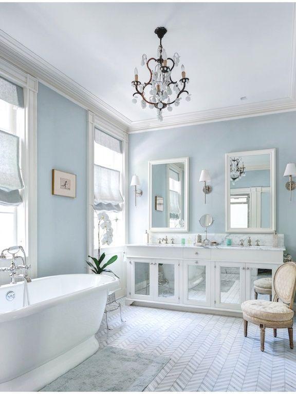 White Bathroom094