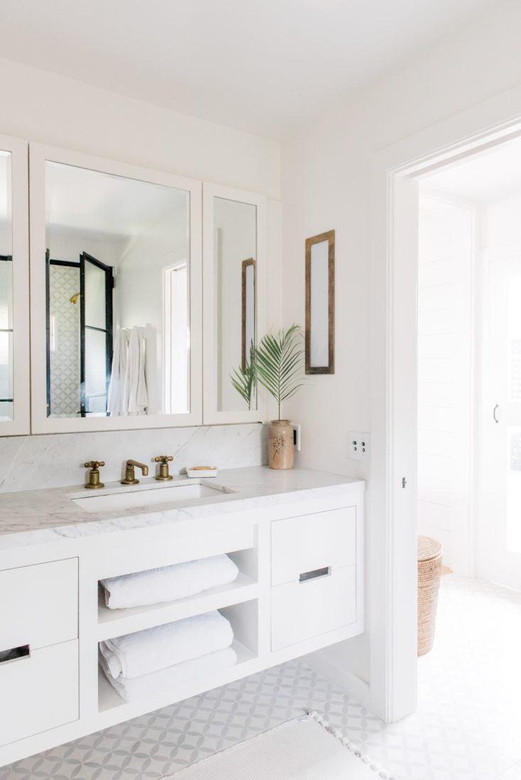 White Bathroom096