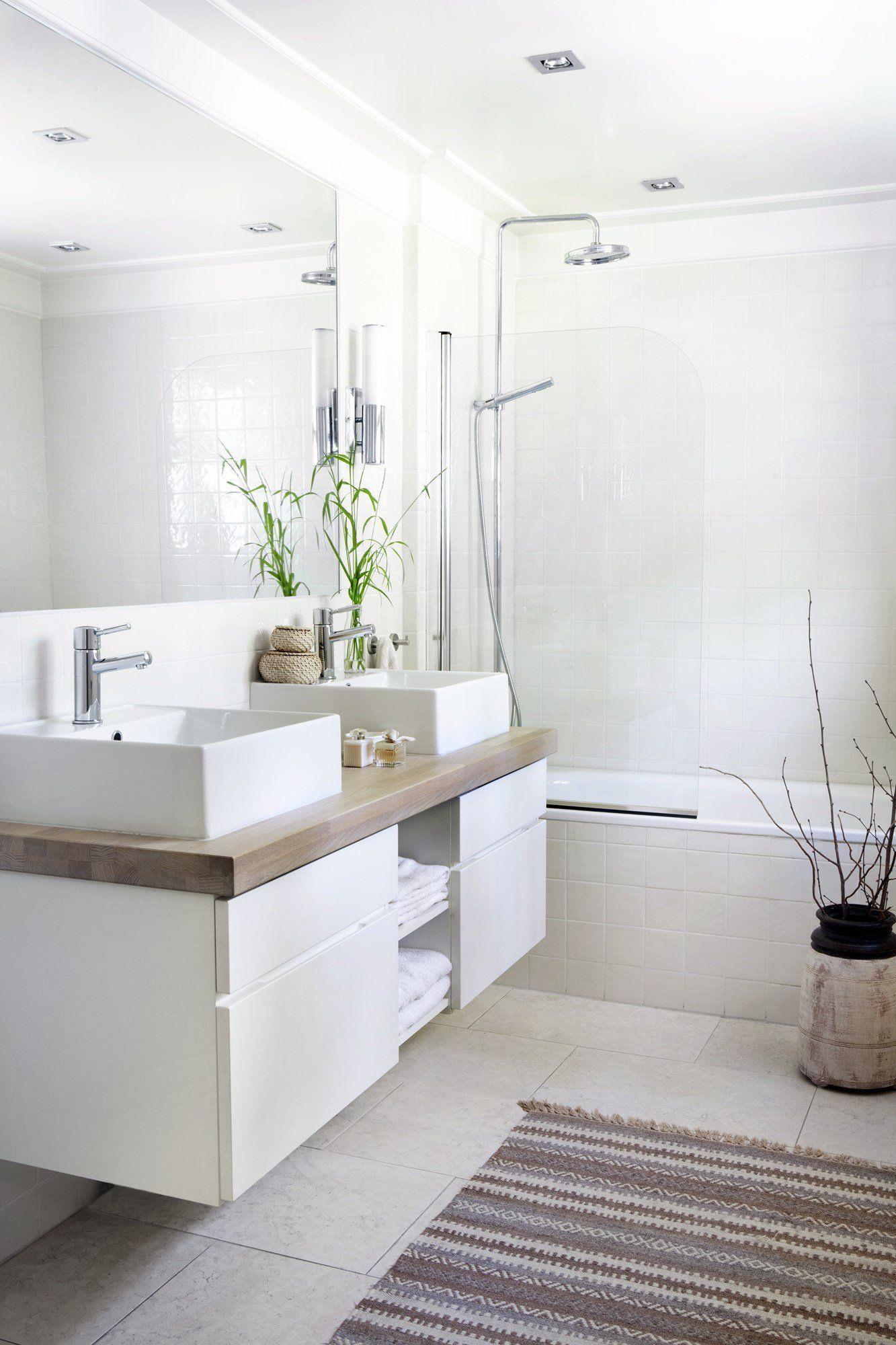 White Bathroom097