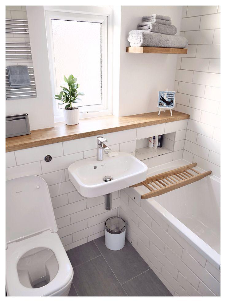 White Bathroom098