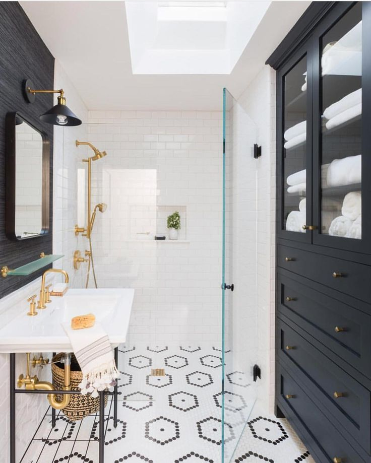 White Bathroom163