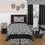 Black and White Bedding Sets For Your Dramatic Bedroom 3