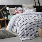 Black and White Bedding Sets For Your Dramatic Bedroom 10