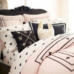 Black and White Bedding Sets For Your Dramatic Bedroom 14