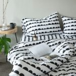 Black and White Bedding Sets For Your Dramatic Bedroom 23