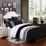 Black and White Bedding Sets For Your Dramatic Bedroom 27