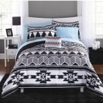 Black and White Bedding Sets For Your Dramatic Bedroom 29