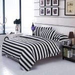 Black and White Bedding Sets For Your Dramatic Bedroom 38