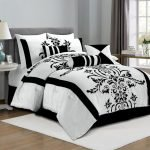 Black and White Bedding Sets For Your Dramatic Bedroom 44