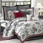 Black and White Bedding Sets For Your Dramatic Bedroom 61