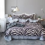 Black and White Bedding Sets For Your Dramatic Bedroom 127