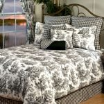 Black and White Bedding Sets For Your Dramatic Bedroom 131