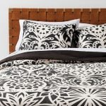 Black and White Bedding Sets For Your Dramatic Bedroom 143