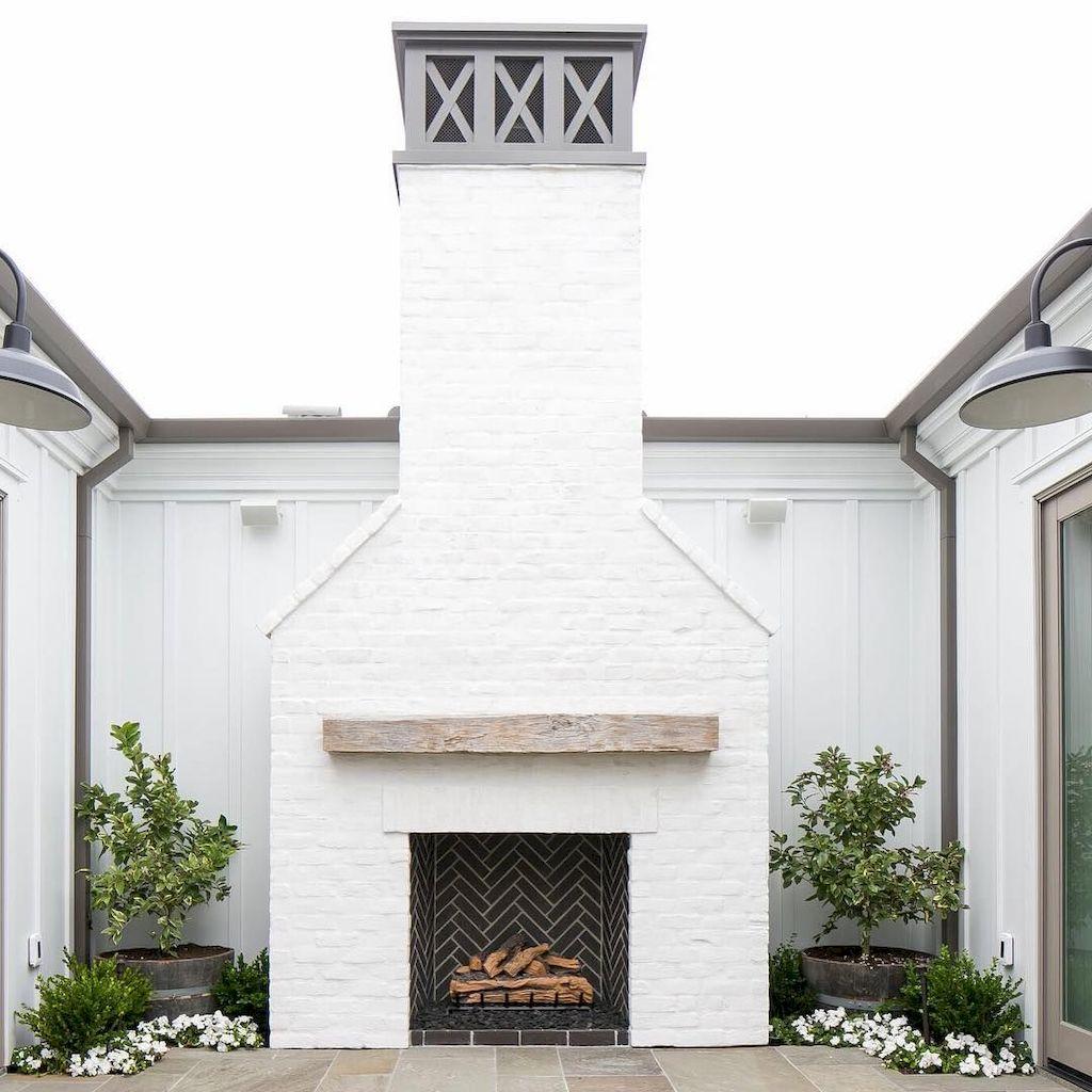 Backyard Fireplace018