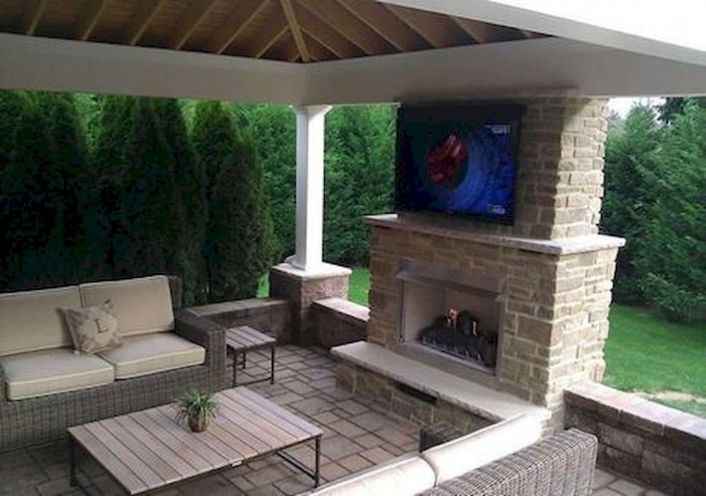 Backyard Fireplace020