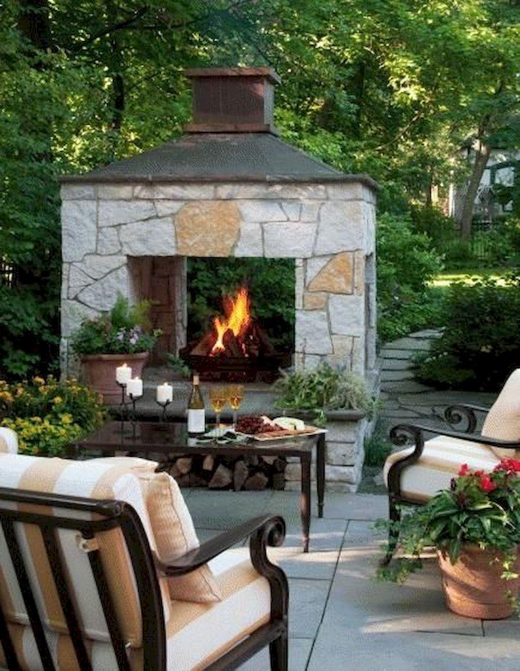 Backyard Fireplace038