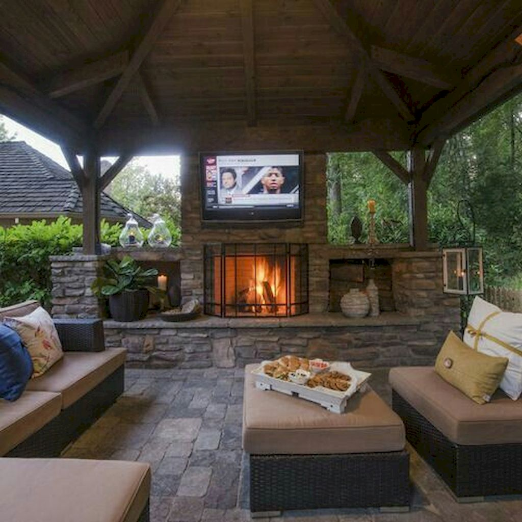 Backyard Fireplace040