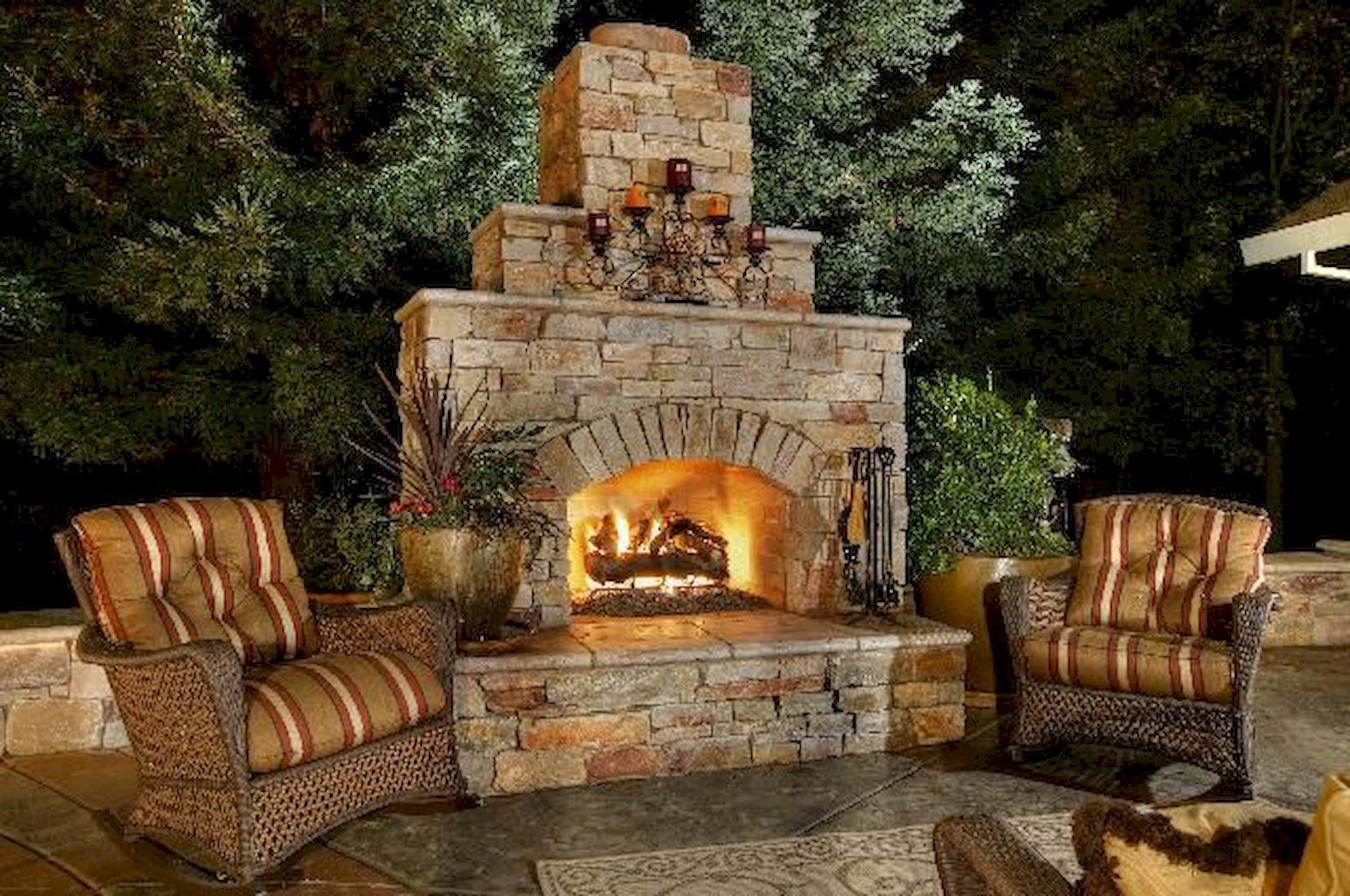 Backyard Fireplace057