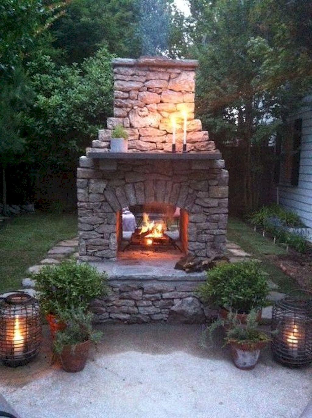 Backyard Fireplace075