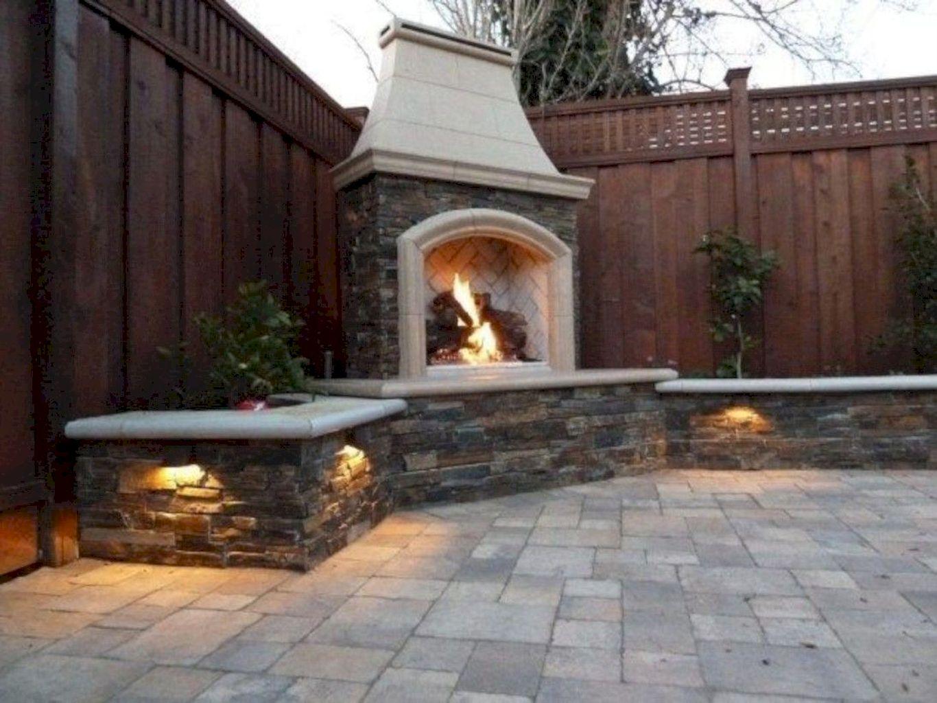 Backyard Fireplace091