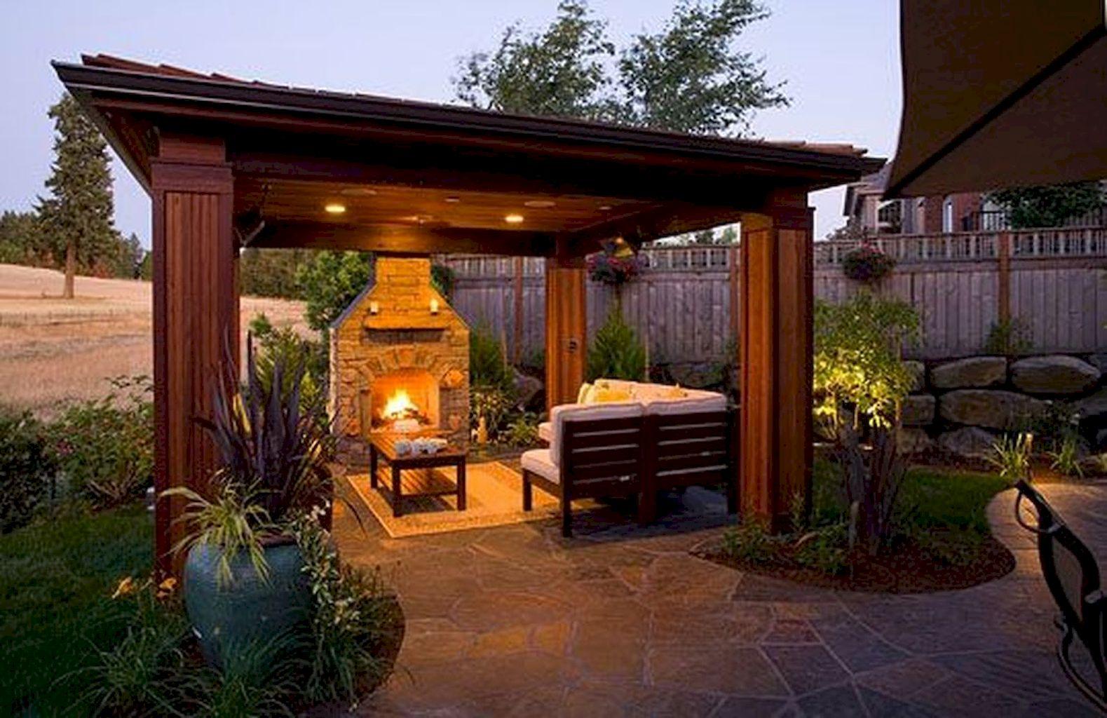 Backyard Fireplace092