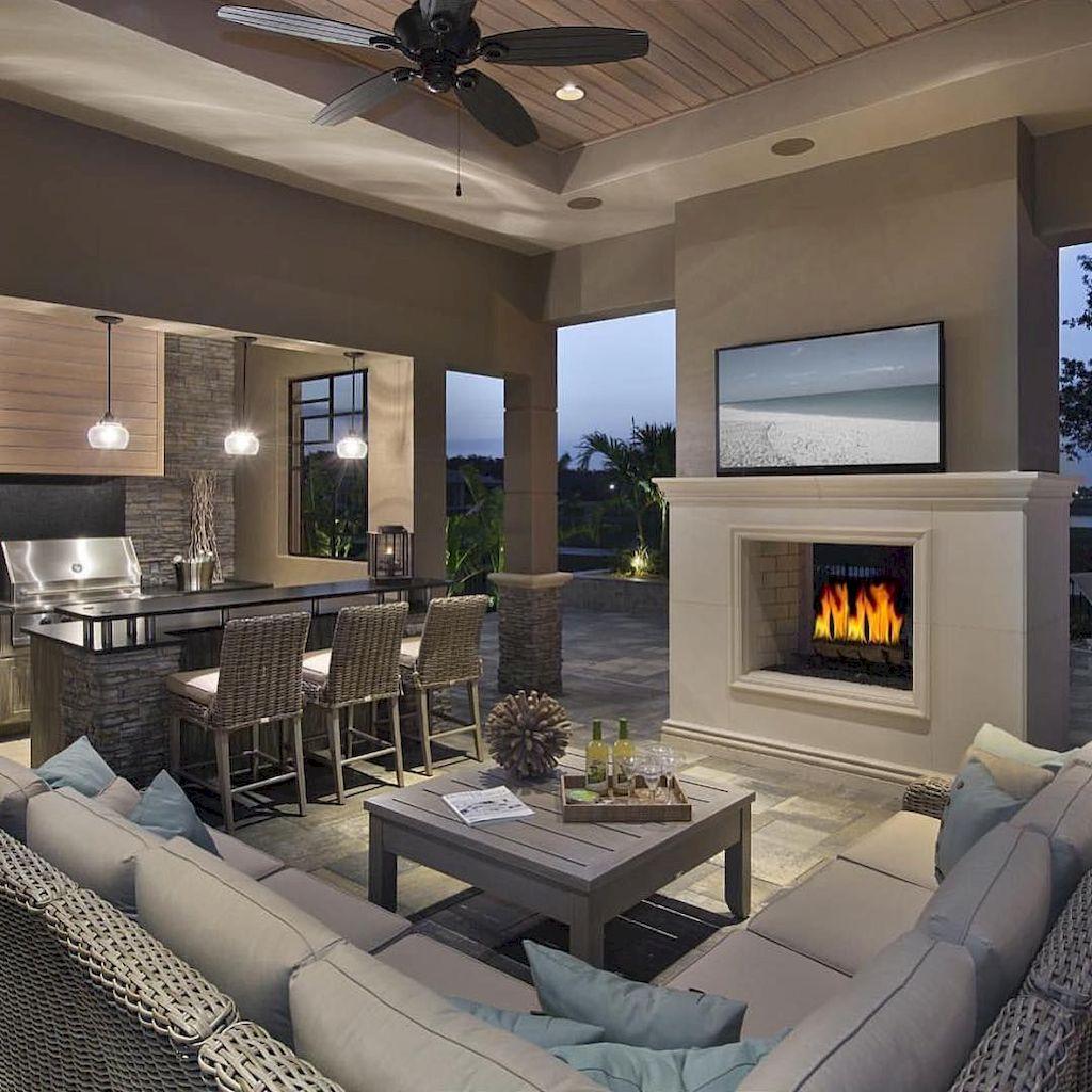 Backyard Fireplace094