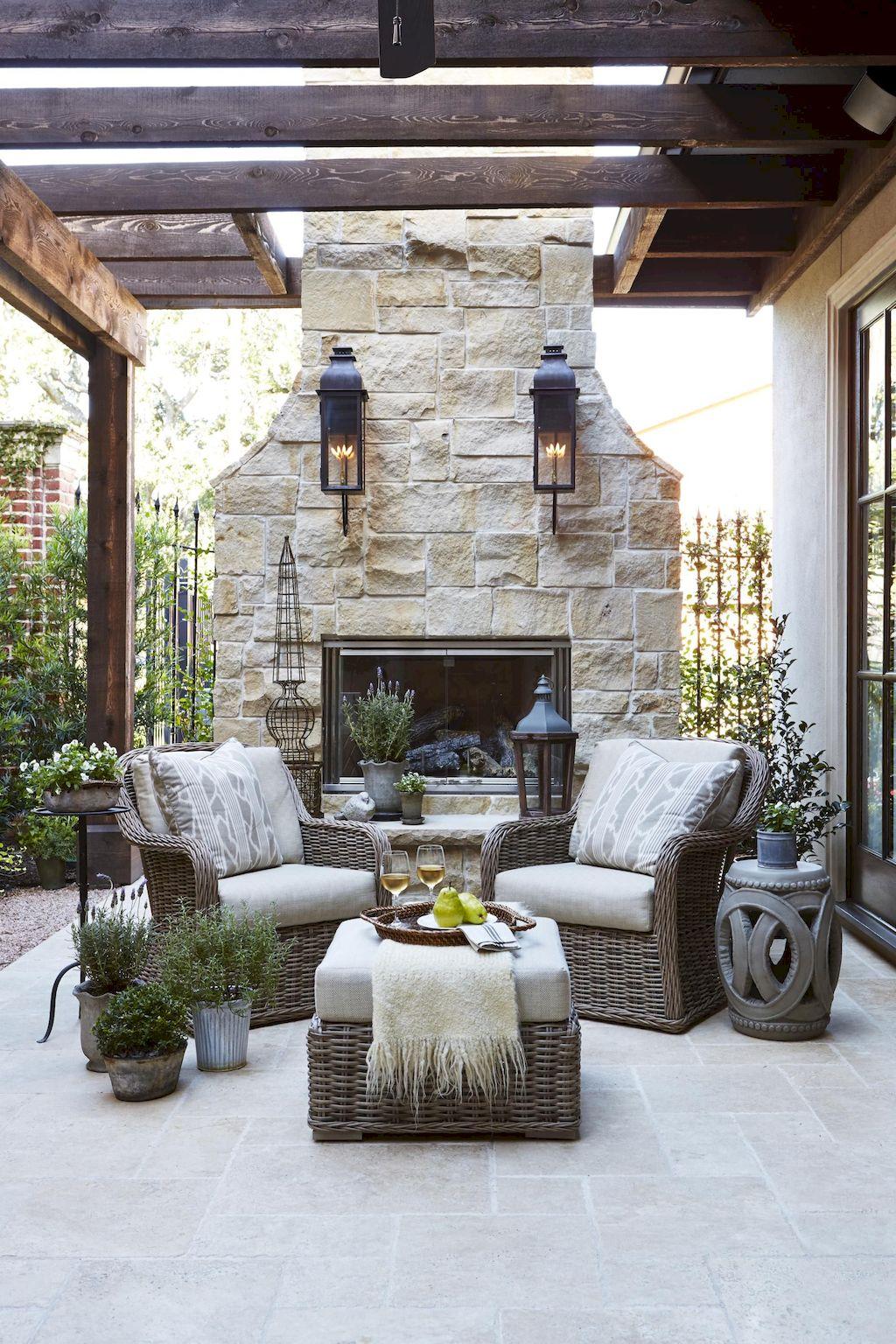 Backyard Fireplace095