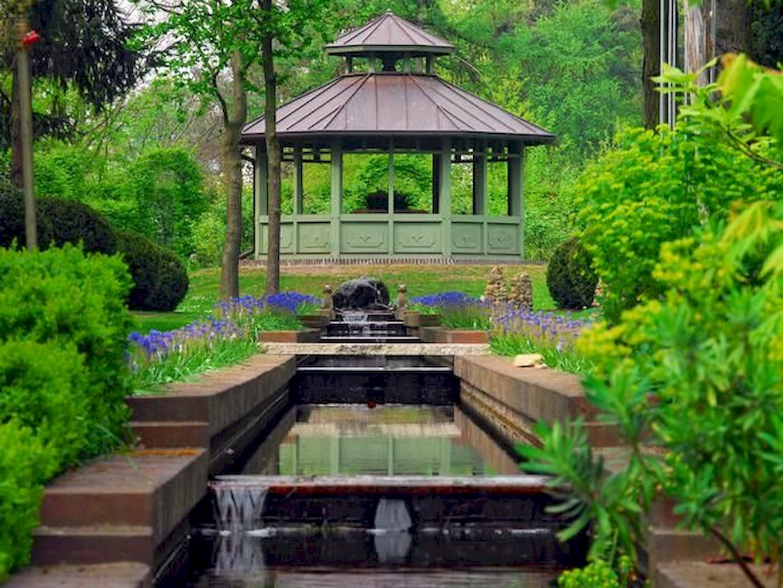 Backyard Pond074