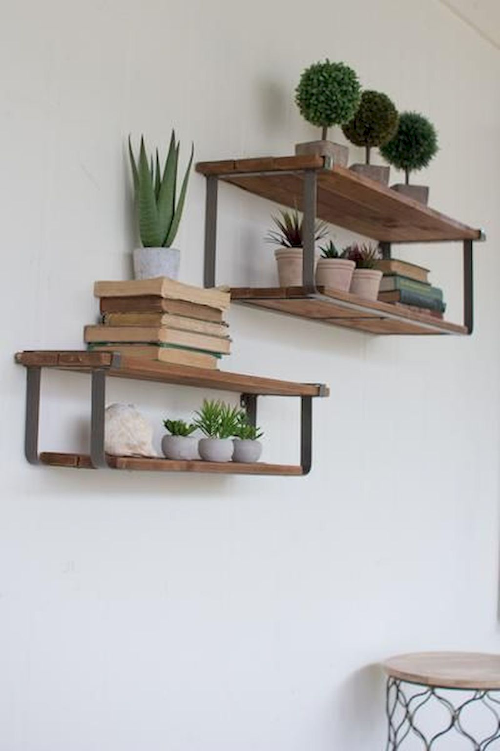 Floating Shelves089