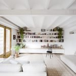 50 ++ Amazing Living Room Designs With Floating Shelves 47