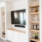 50 ++ Amazing Living Room Designs With Floating Shelves 73