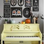 Amazing Spooky Halloween Decorations For One Ghostly Atmosphere 24