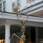Amazing Spooky Halloween Decorations For One Ghostly Atmosphere 35