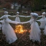 Amazing Spooky Halloween Decorations For One Ghostly Atmosphere 107