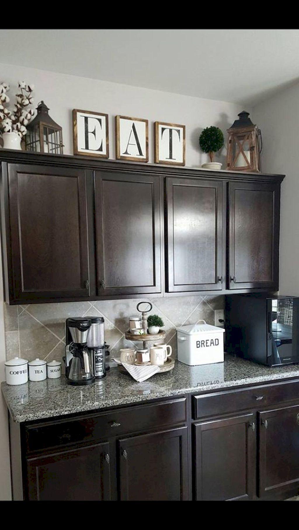 Kitchen Cabinets019