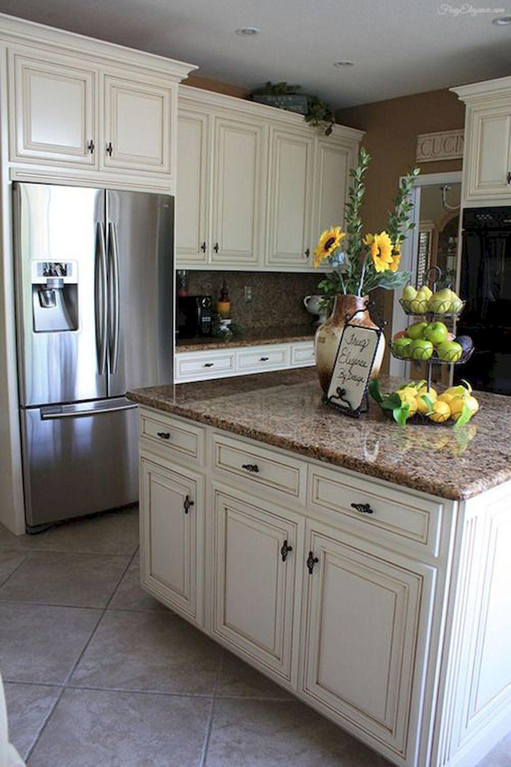 Kitchen Cabinets041