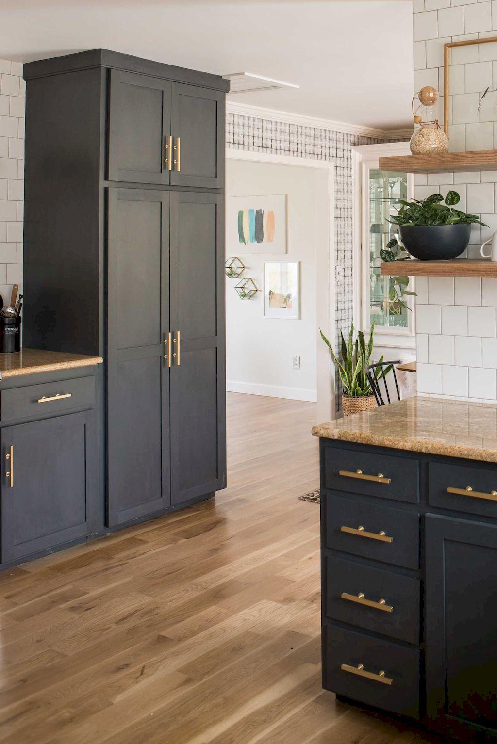 Kitchen Cabinets051