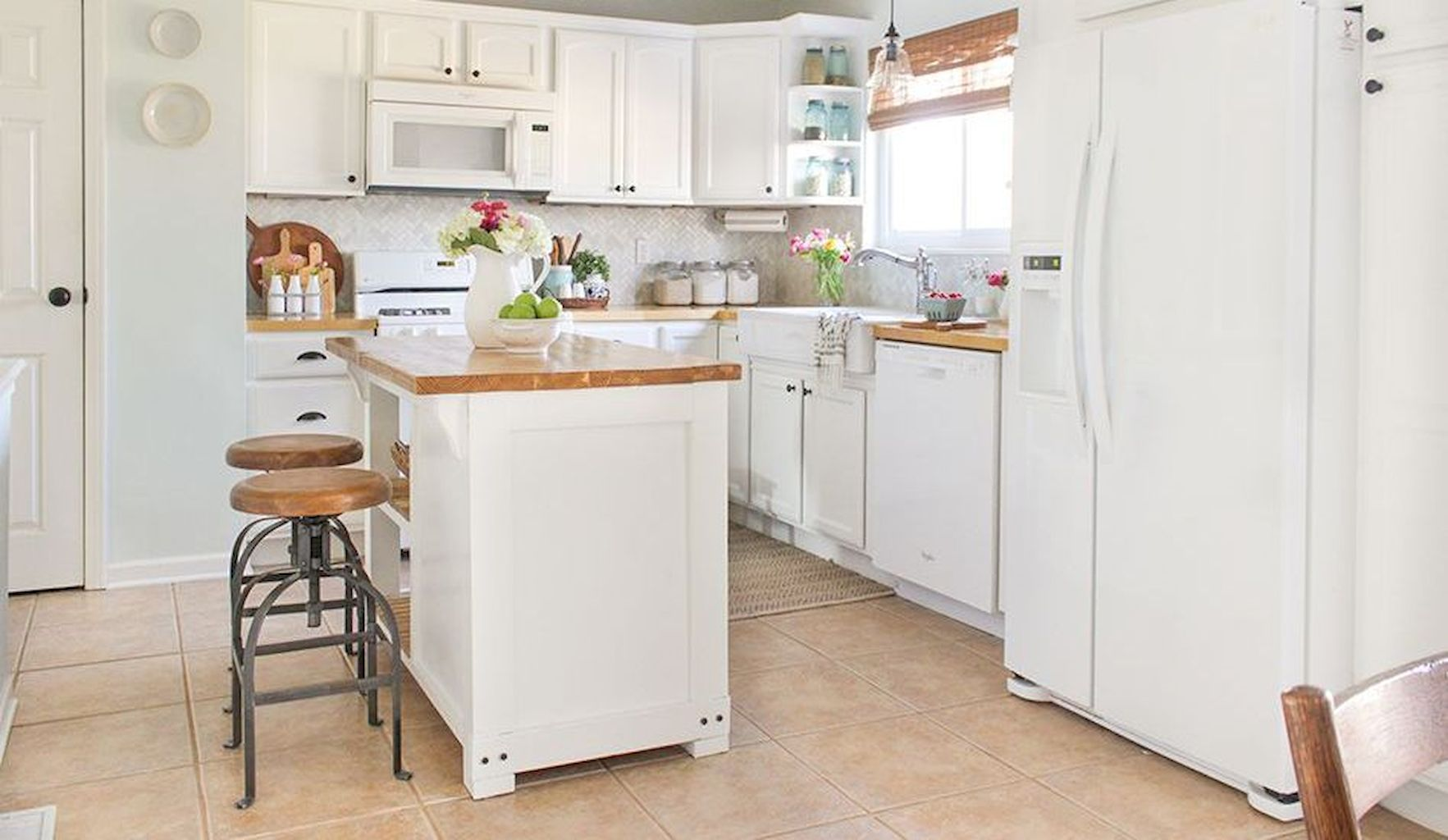 Kitchen Cabinets083