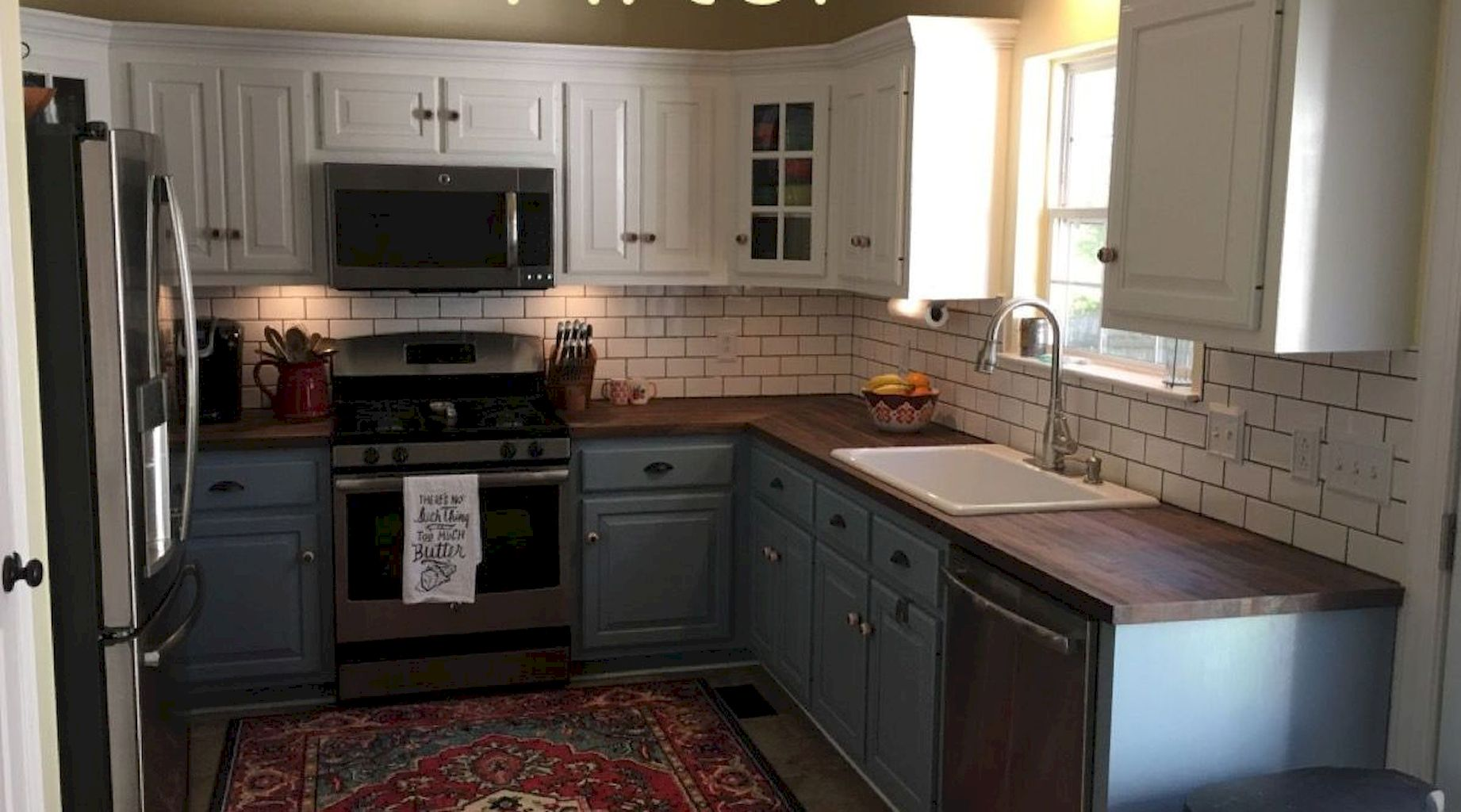Kitchen Cabinets086